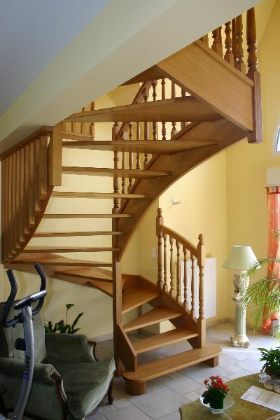 quelques d finitions sur les escaliers menuiserie haut de france. Black Bedroom Furniture Sets. Home Design Ideas